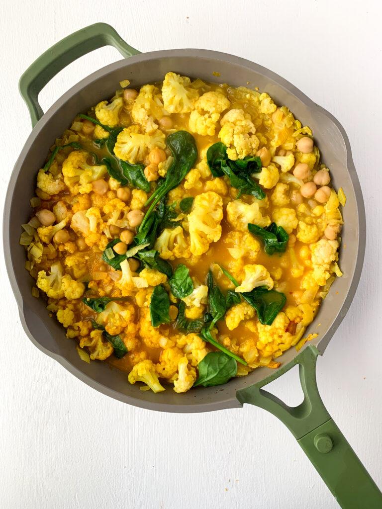 coconut chickpea cauliflower curry